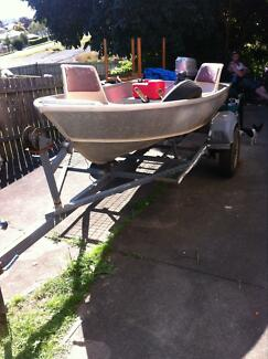 Stessl 10 foot tinny on trailer 4.5 hp motor Gympie Gympie Area Preview