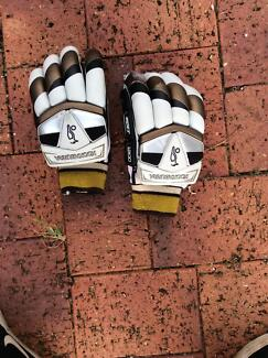 Cricket gloves Muchea Chittering Area Preview
