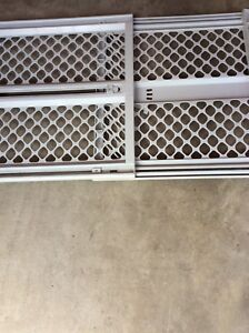 Selling baby gate