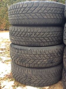 195/65/15 HIVER GOODYEAR 150$