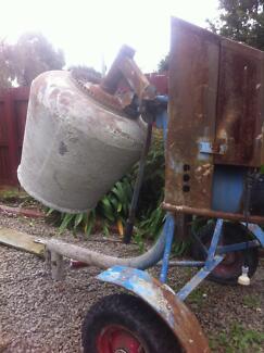 Cement mixer Hastings Mornington Peninsula Preview