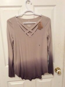Ladies small American Eagle top -NWT