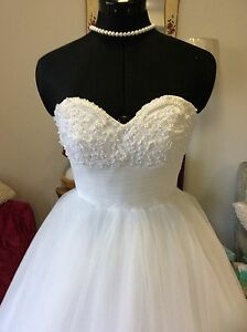 Deb ,Debutante, Wedding White /Ivory Dresse Ferntree Gully Knox Area Preview