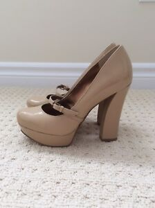 GUESS Heels - Size 6 - Brand new condition!
