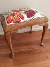 VINTAGE QUEEN ANNE STYLE PIANO/ ESSING TABLE STOOL W/ new cover Seaforth Manly Area Preview