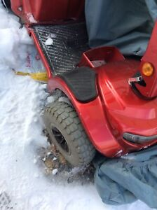 Large scooter Red NEEDS REPAIRS