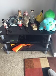 3 tear glass tv stand