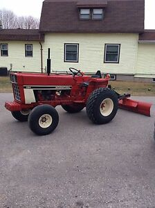 1980 International 84 Tractor with 3. Hitch blade