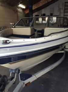 FULLY RESTORED 19 FOOT BAYLINER BOW RIDER MATCHING TRAILER