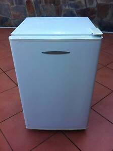 Small fridge Lower Beechmont Ipswich South Preview