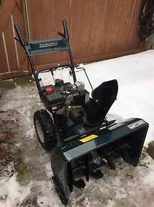 10 HP SNOWBLOWER - GREAT CONDITION