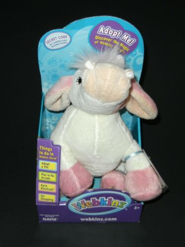 Webkinz Strawberry Cow HM500 New with Sealed Code