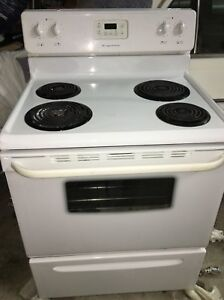 Stove -  Frigidaire electric 30 inch range