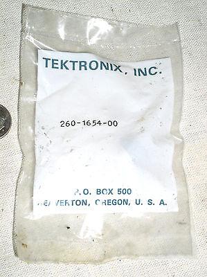 Original Genuine Tektronix Test Equipment Repair Thermal Sw Switch 260-1654-00