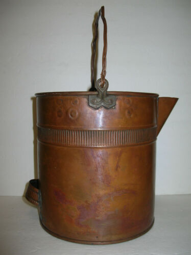 ANTIQUE  COPPER  POUR  SPOUT  POT - KETTLE  w/ TRIPLE  TWIST  WIRE  BALE  HANDLE