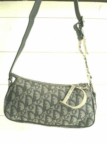 Sac baguette bag oblique porté épaule christian dior toile monogrammé vintage