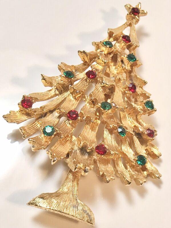 WEISS VINTAGE CHRISTMAS TREE GOLDTONE RED GREEN RHINESTONE BROOCH PIN (258)