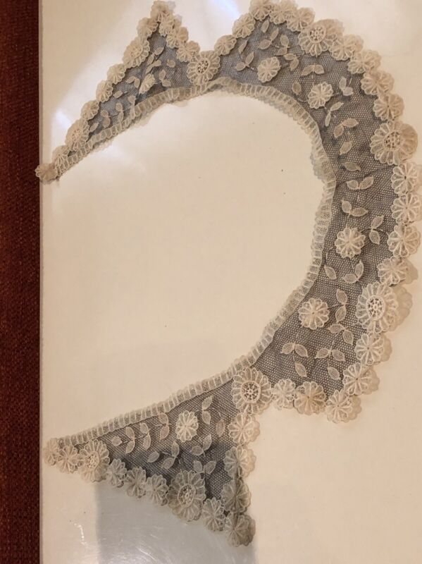 BRUSSELS NET LACE COLLAR Antique Victorian Handmade Flounce White On Black  Vtg