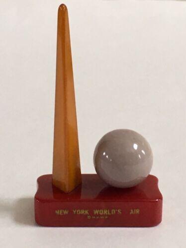 1939 New York World's Fair Souvenir Bakelite Trylon And Perisphere