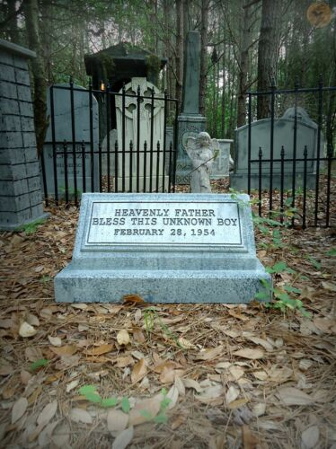 Evil Soul Studios Bless This Unknown Boy Tombstone Halloween Prop Yard Decor NEW