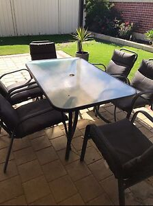 Outdoor setting Thornlie Gosnells Area Preview