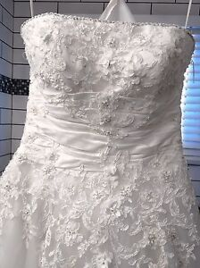 Never worn! Size 8 wedding dress for sale!