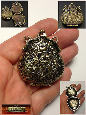 M01508 MOREZMORE Miniature Victorian Style Purse Locket Doll Bag Opens Prop A60