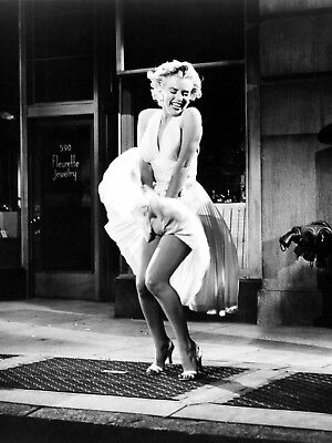 - Marilyn Monroe in her famous white dress art Photo print A4 or A5 size