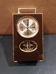 Vintage Bulova Spinning Pendulum Quartz Table Clock