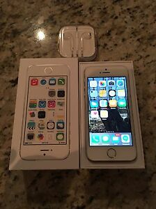 IPhone 5s 16GB + Apple earbuds Oakville / Halton Region Toronto (GTA) image 6