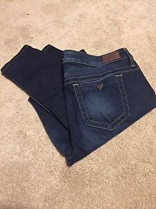Size 32 Guess jeans