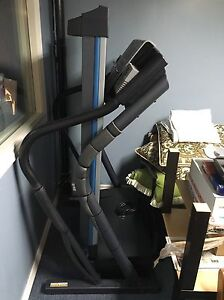 NordicTrack C2000 Treadmill excellent condition barely used