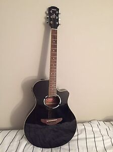 Yamaha APX500II- acoustic electric guitar