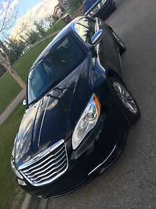 Chrysler 200 Limited with low kms!!