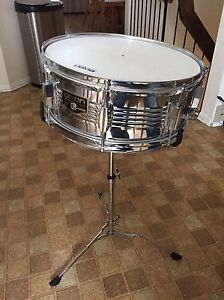 Dixon snare drum and stand