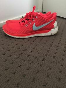 Woman's Nike joggers Woonona Wollongong Area Preview