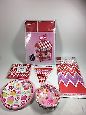Chevron Party Supplies (Sweat Treat Chevron Valentines Party Supplies Cupcake Stand Table Cloth Plates)