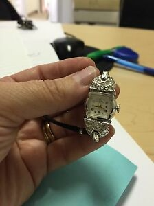 Antique watches~ look at pics attached 3 different stykes West Island Greater Montréal image 3
