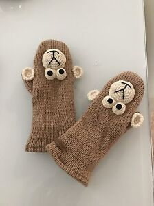 Winter gloves - gently used  London Ontario image 2