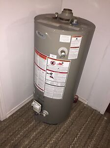 Gas water heater  Cambridge Kitchener Area image 1