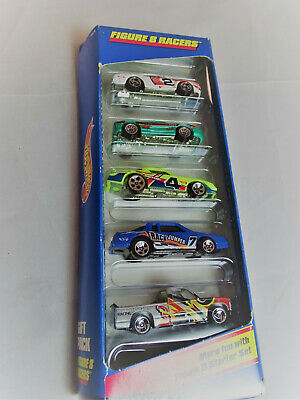 Hot Wheels 5 Car Gift Pack Figure 8 Racers w/Exclusive Green Ferrari