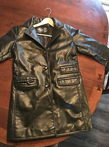 Women's beautiful leather jacket (medium)
