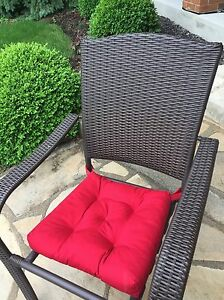 Set of 6 wicker patio chairs