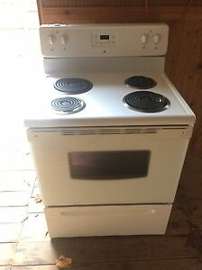 Used White Westinghouse Stove / Oven