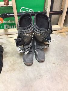 Fox boots for sale  size 10