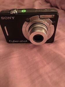 Sony Cyber shot camera Gatineau Ottawa / Gatineau Area image 1