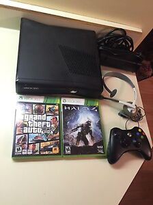 Xbox 360 with controller headset Halo 4 and GTA 5