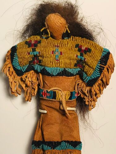 """WONDERFUL EARLY 20TH C SIOUX PLAINS BEADED FRINGE """"BUCKSKIN"""" DOLL,MINT CONDITION"""
