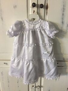 Christening gown size 6 month (16 lbs) Cornwall Ontario image 1