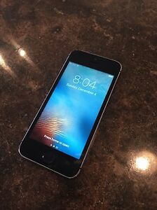 iPhone 5s 16GB unlocked (works with any cell carrier)